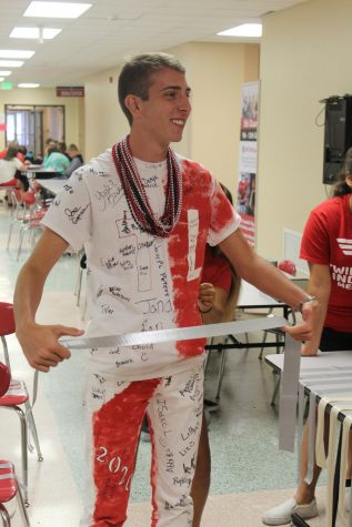Twin Lakes Students Pitch Pennies for Patients