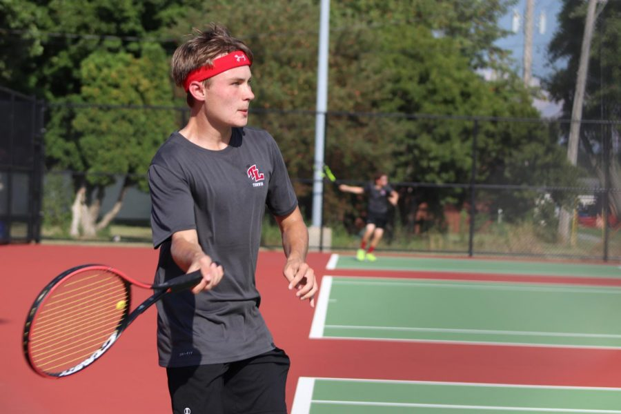 Boys Tennis Face Delphi in Sectionals