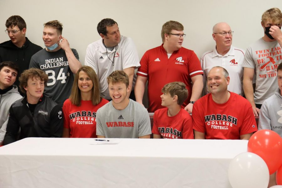 Congratulations to Gage Businger who signed on Wednesday to play football at Wabash College!