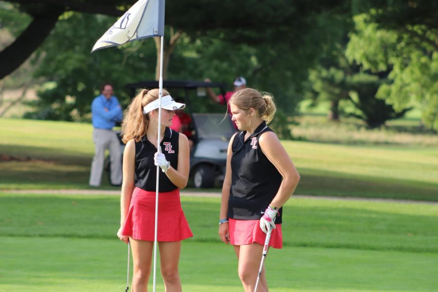 Stearns Advances to Golf Regionals